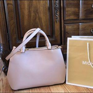 5a04f34aa282 Michael Kors Bags - $368 Michael Kors Florence Handbag Purse MK Bag